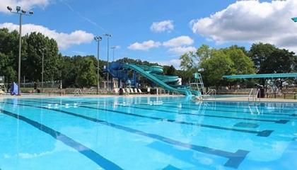 LMT-Pool-Spotlight
