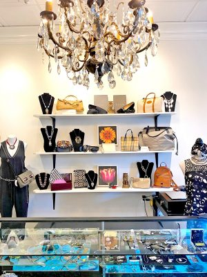 Dress to the 9's Consignment Boutique - Newtown